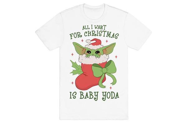 Free XMAS Baby Yoda T-Shirt